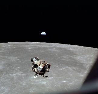 1061px-Apollo_11_lunar_module