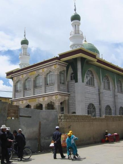 A_new_Muslim_Mosque_in_Lhasa